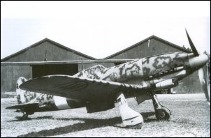 C.205V M.M. 9488 was transferred to Sardegna in September 1943 (by s.ten Re), but returned to Lonate Ozzolo for a re-egining.  Note the different camouflage of the engine cowling.